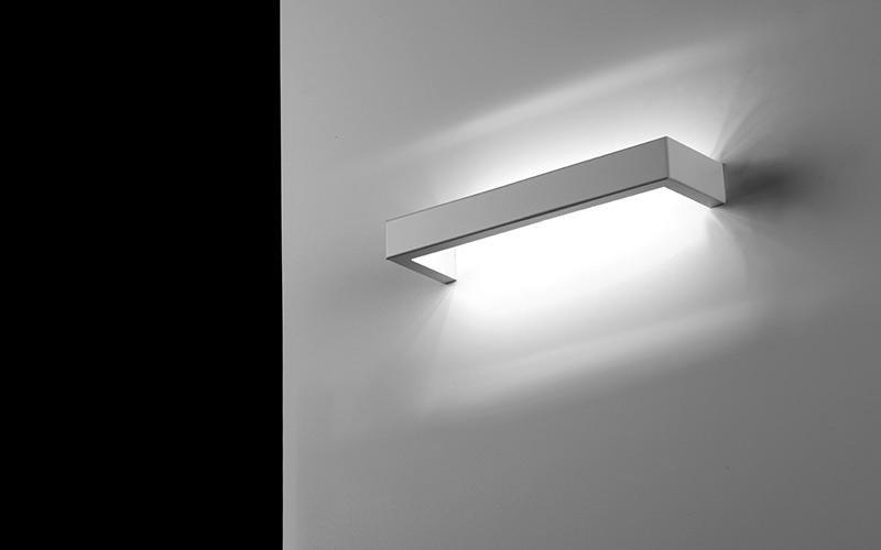 Lampada da parete cuneo il triangolo lampadari