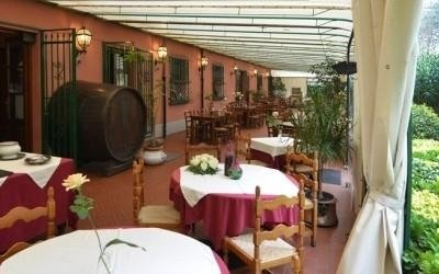 restaurant outdoor area viareggio
