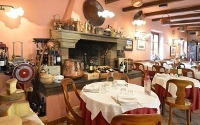 restaurant with fireplace viareggio