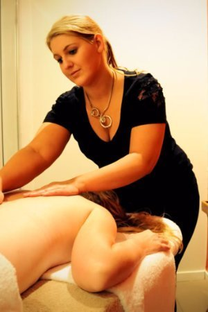 massages at airlie day spa
