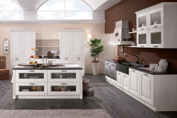 Cucina stile classico bianca con isola