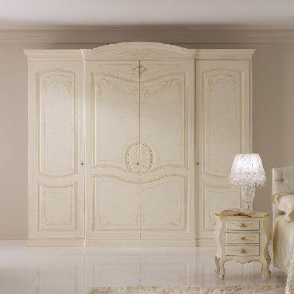 armadio classico bianco