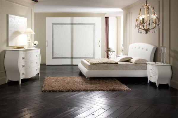 Camera da letto con armadio e cassettiera