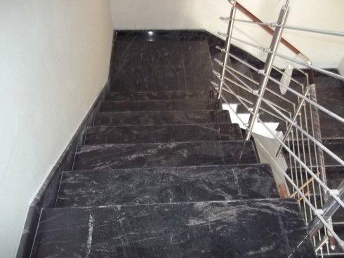 rivestimento marmo nero