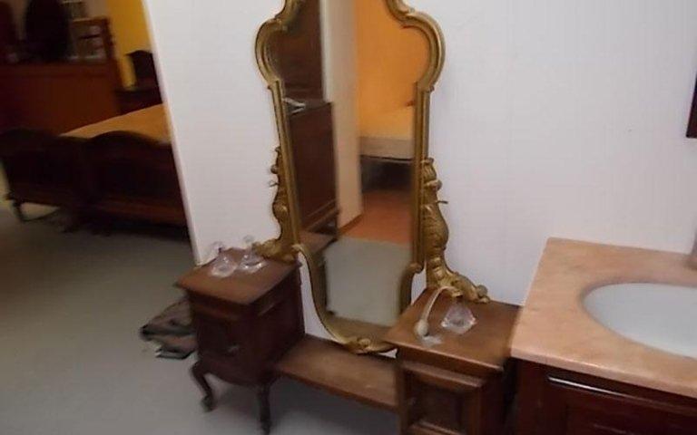 Console con specchio