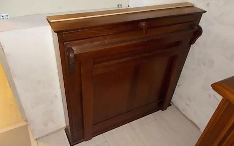 Mobile in legno antico
