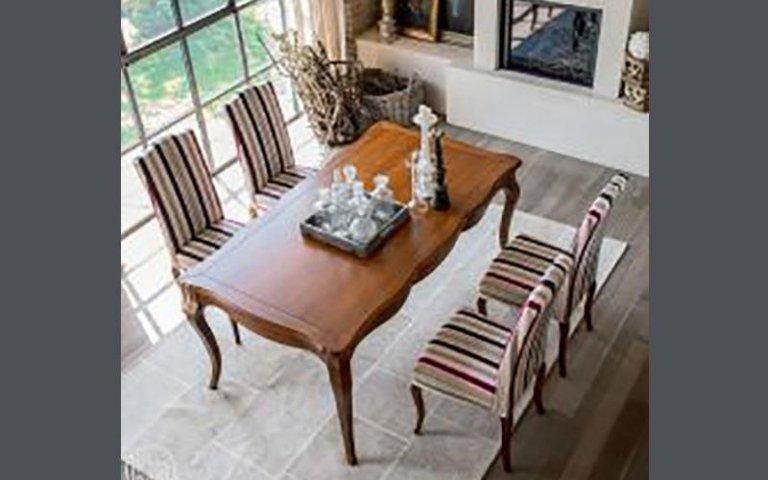 Aston tavolo classico in legno