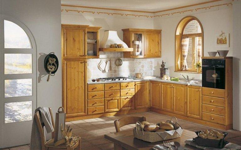 Cucina angolo miele con tavolo