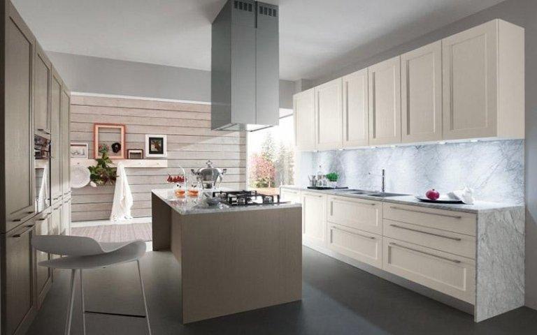 Cucina legno e marmo