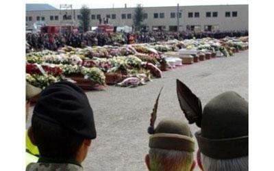 servizio funebre terremoto L'Aquila