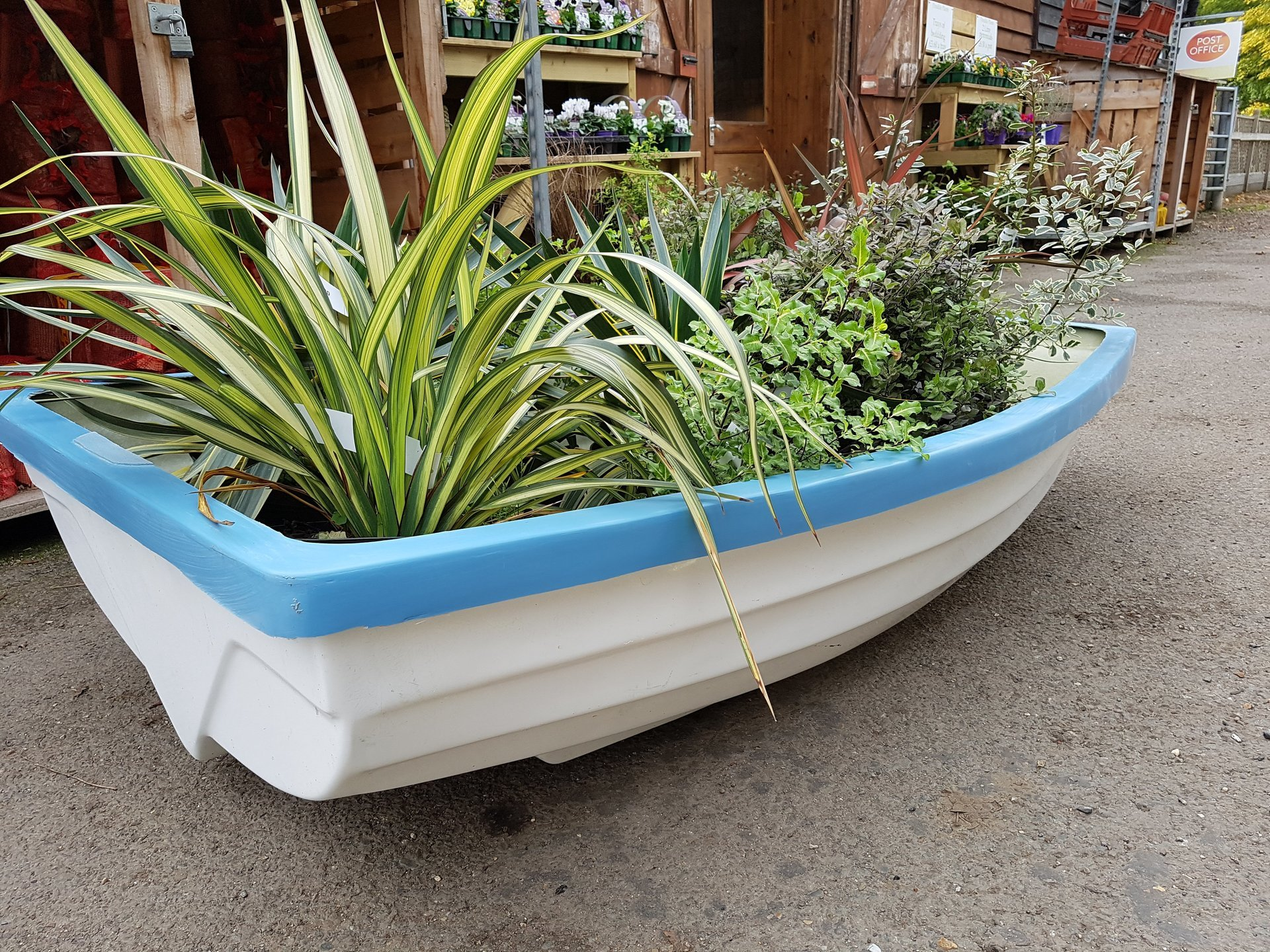 Feature Dinghy