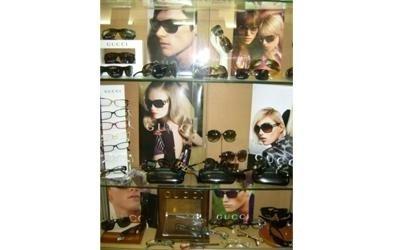 vendita occhiali da sole pisa
