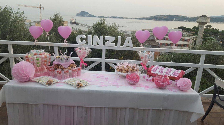 tavolo apparecchiato per il compleanno di Cinzia