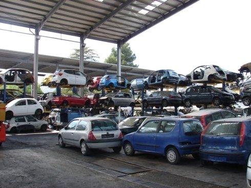 parco auto da demolire