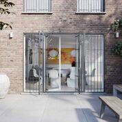 modello di ingresso ampio su balcone
