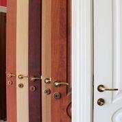 espositore di porte per interni