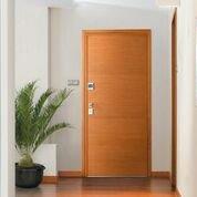 porta ingresso chiusa