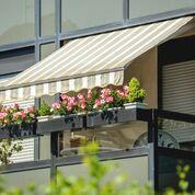tenda da sole su balcone condominiale