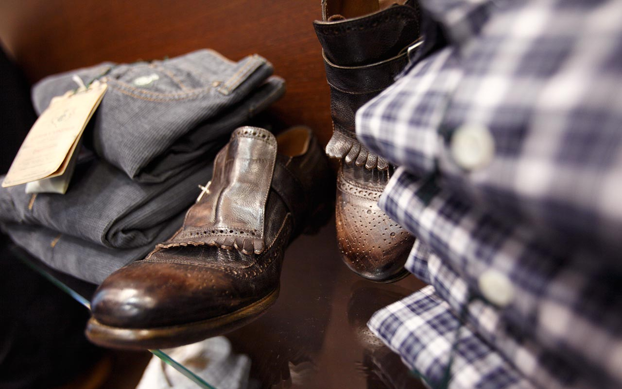 scarpe in cuoio marrone scuro
