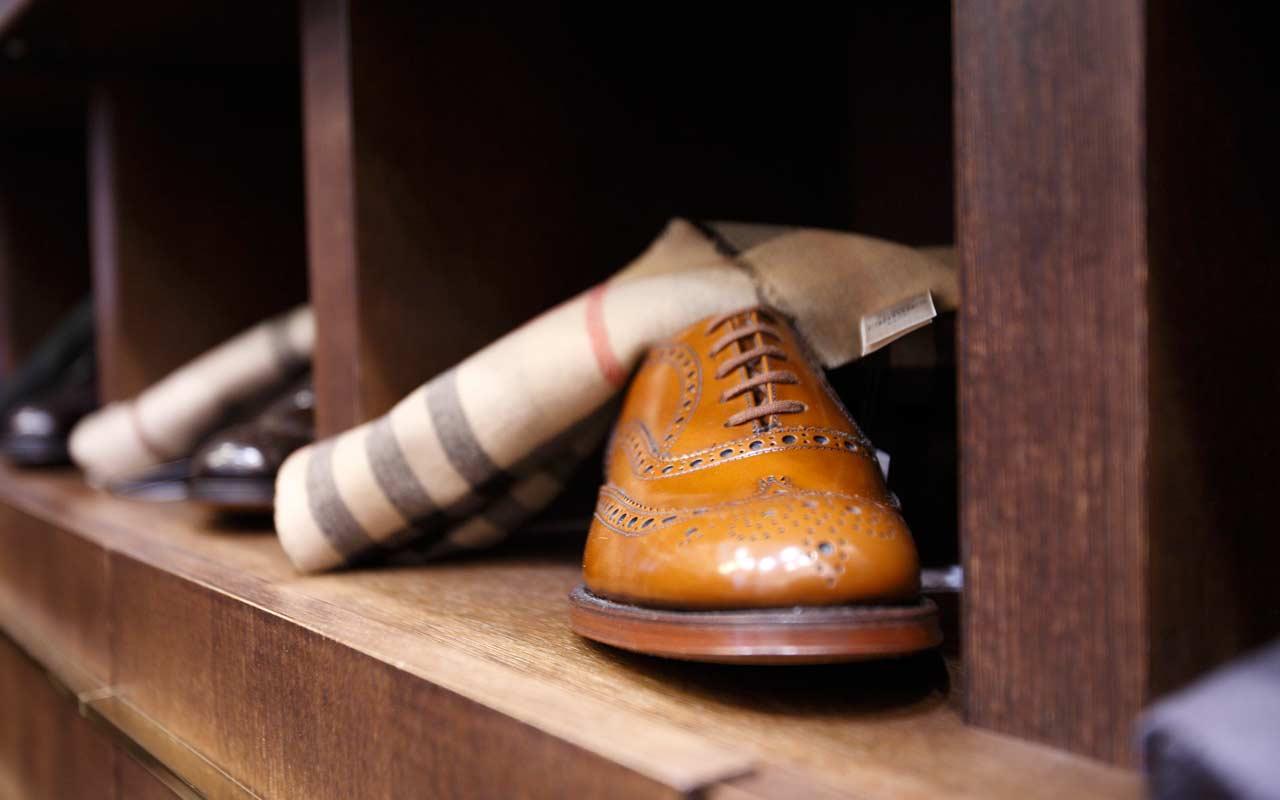 scarpe di cuoio marrone