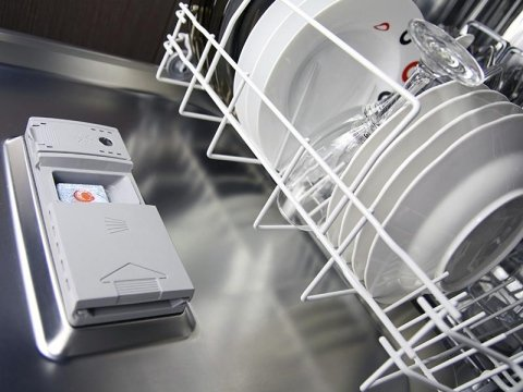 interno di una lavastoviglie