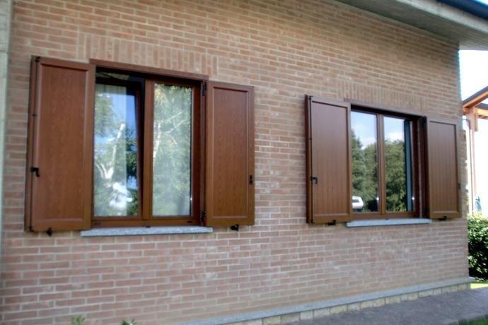 persiane in legno e alluminio