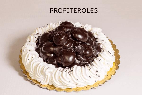 torta profitterol con panna