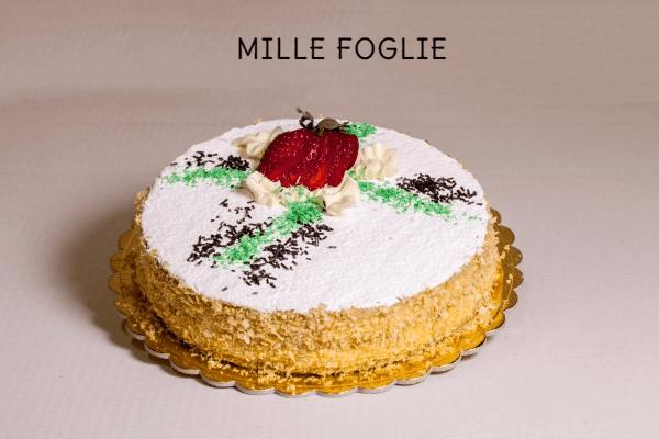 torta millefoglie con fragole fresche