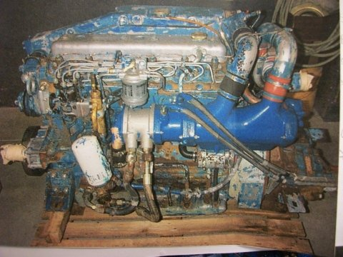 Verniciatura motore nautico