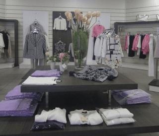 Interno di un negozio d'abbigliamento