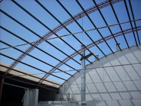 Altra visuale del tetto in eternit rimosso