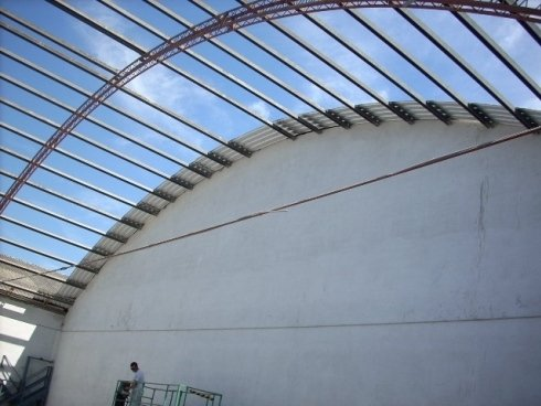 Montaggio del tetto in coverib