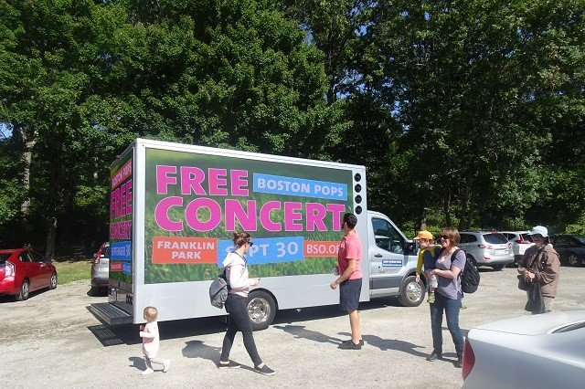How A Mobile Billboard Company Can Help You Reach Your New Year Goals