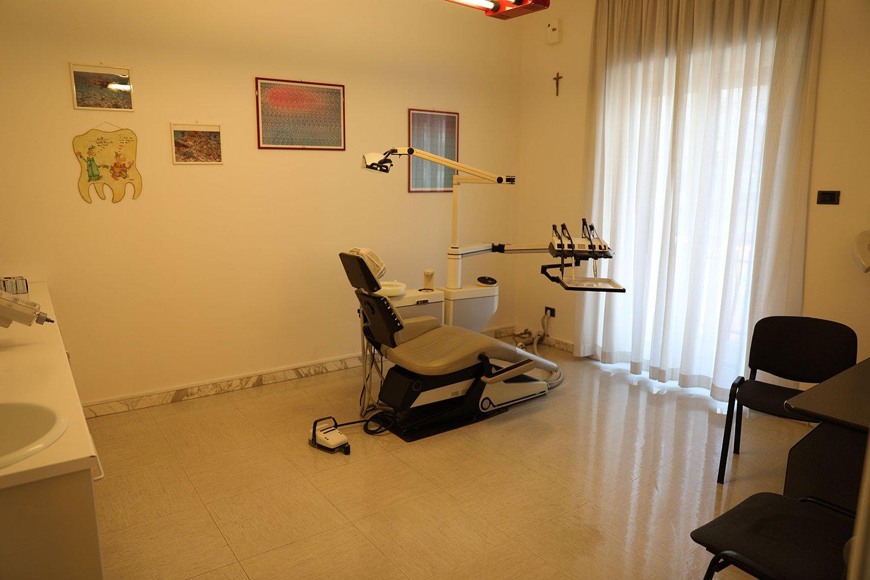 poltrona visite dentistiche