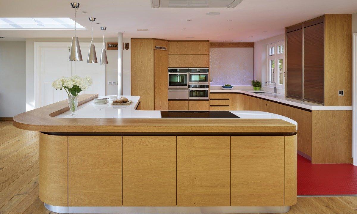 Curved kitchen unit