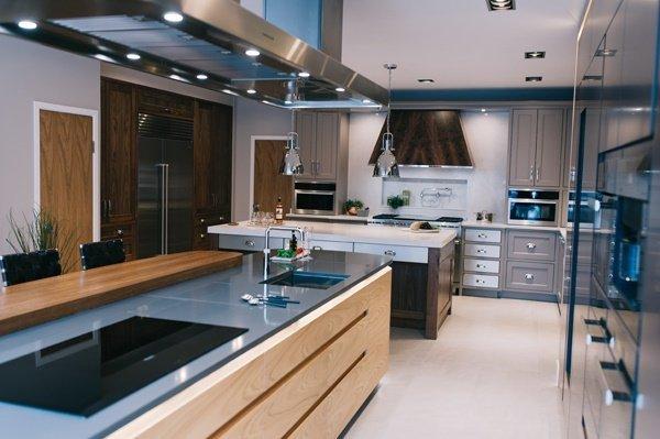 Spolights in a kitchen