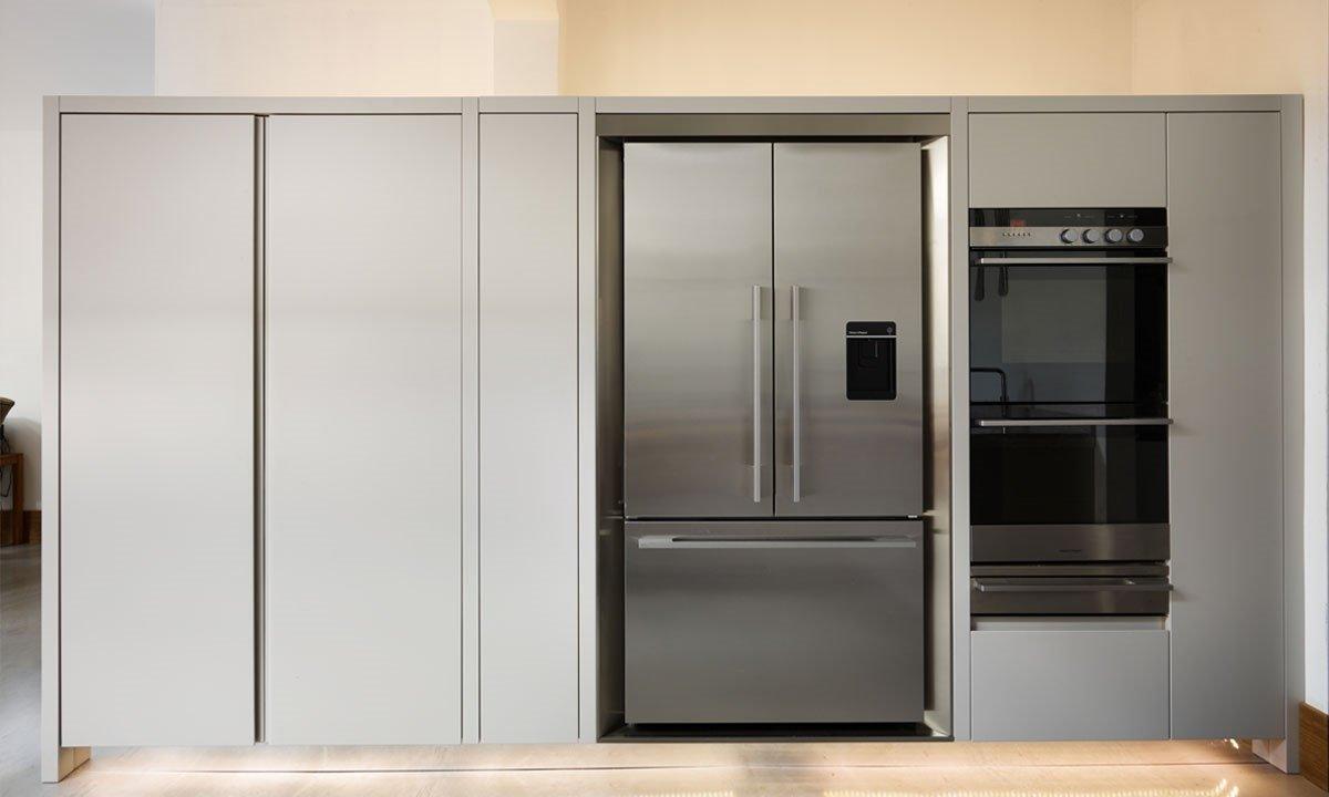 Double oven and fridge freezer