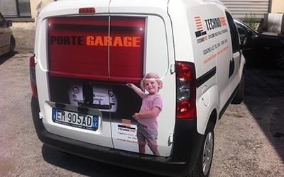 Stampa su furgoni