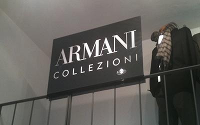 Insegna Armani