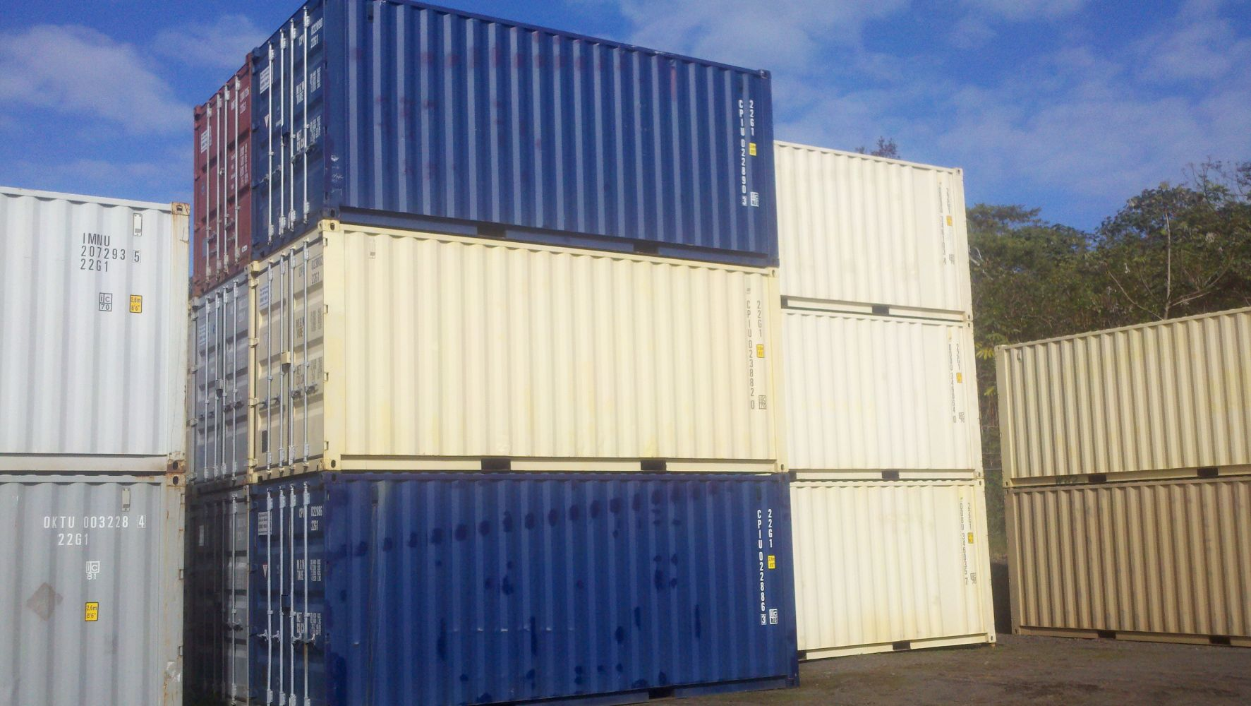 newer model, clean, dry and secure containers in Kea'au, HI