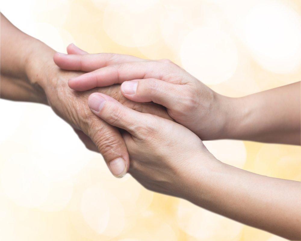 mani una sopra l`altra