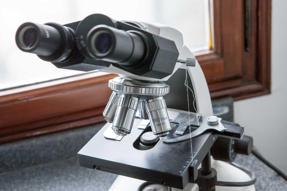 microscopio per poliambulatorio