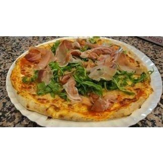 Pizza speck e rucola