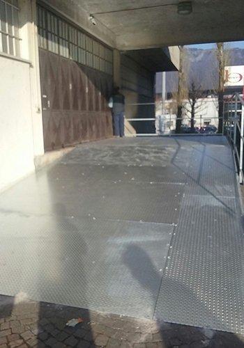 una rampa in ferro
