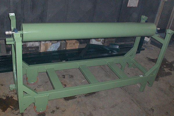 Rullo e supporto di metallo verde