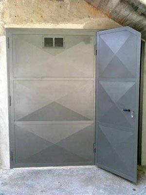 Porta esterna di metallo