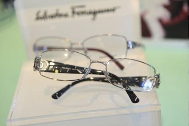 Primo piano di occhiali da vista