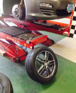 controllo assetto ruote robotizzato