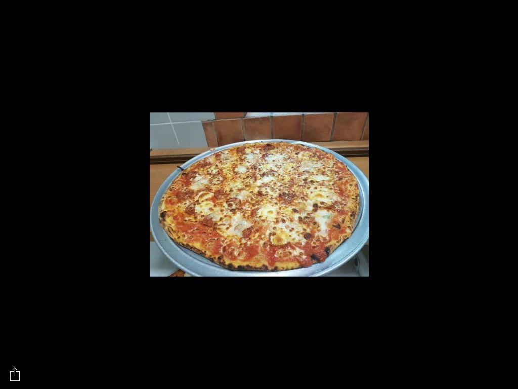 pizza Margherita su un piatto