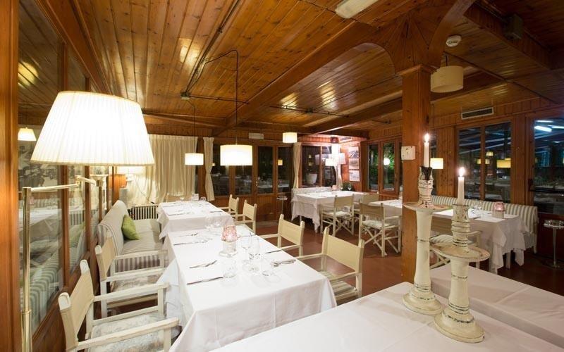 sala interna ristorante forte dei marmi
